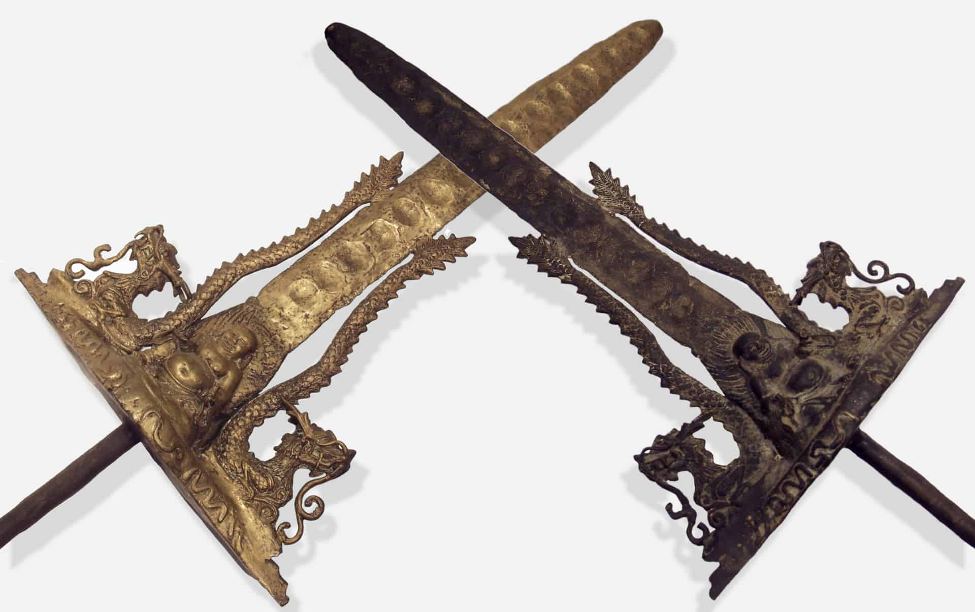 Both sides of the Anique Keris Sword Crisscrossed.